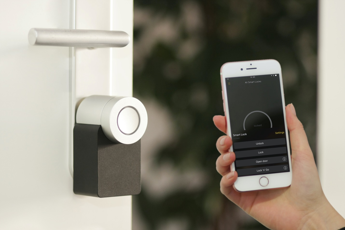 a smart lock system with its phone application